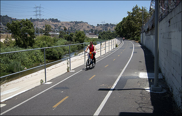 Los Angeles River bike path in Elysian Valley