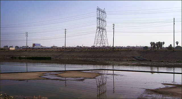 Los Angeles River at City of Vernon, from the bike path