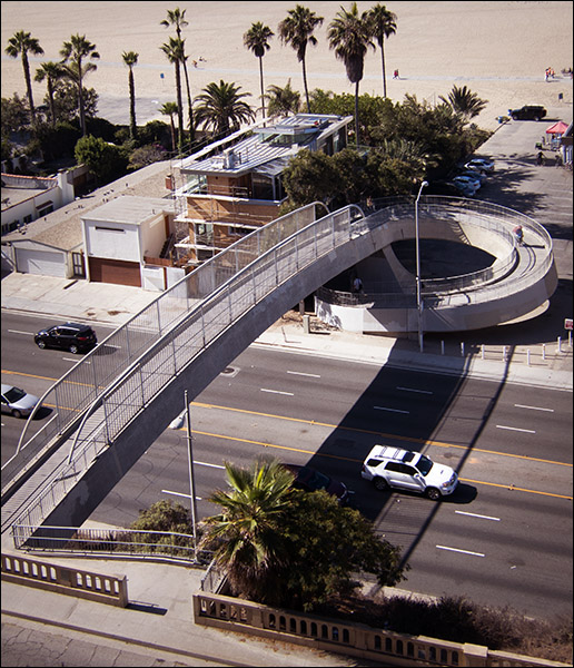 Spiral bridge in Santa Monica
