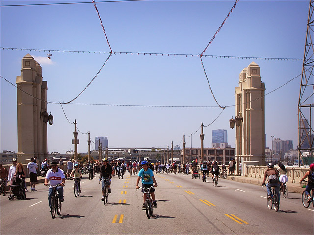 April 2011 CicLAvia, 4th St. Bridge