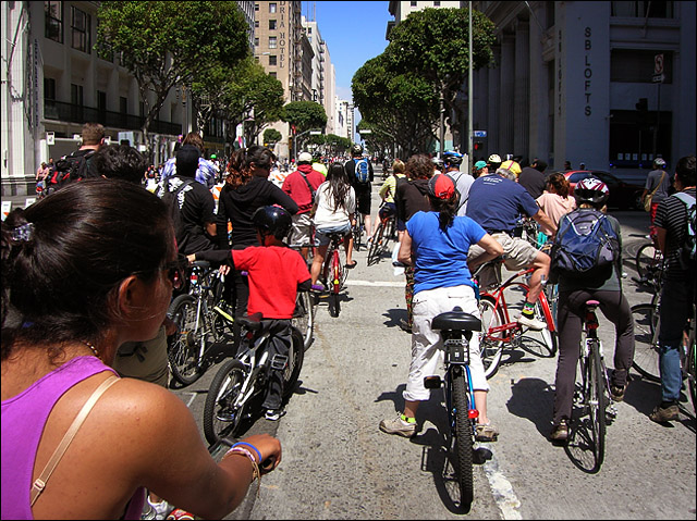 Aril 2011 cicLAvia, 7th Street downtown